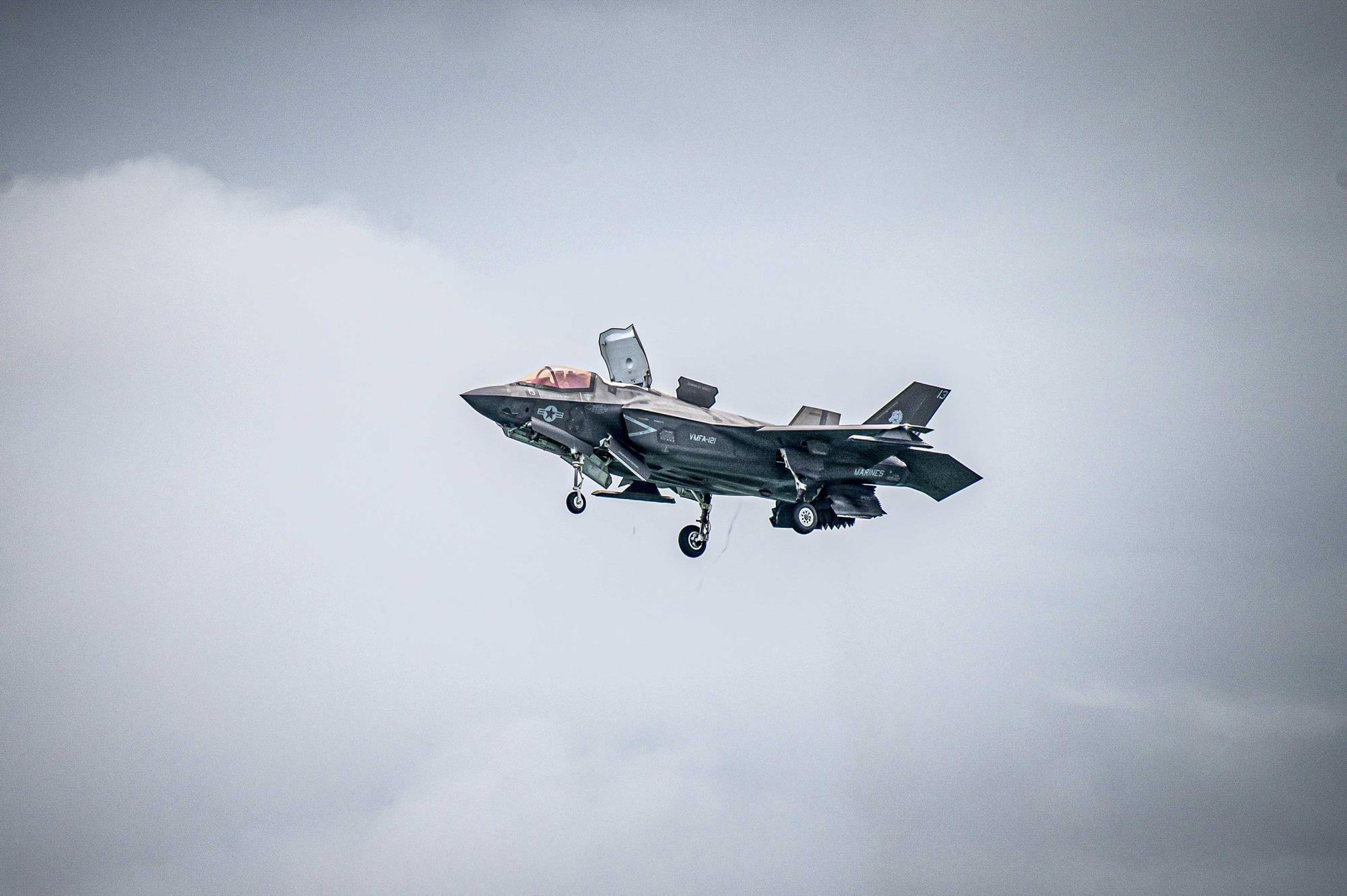 For F-22 and F-35 demo pilots, aggressive manoeuvres are just part of the job