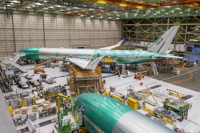 Boeing schedules first 777X flight for 23 January
