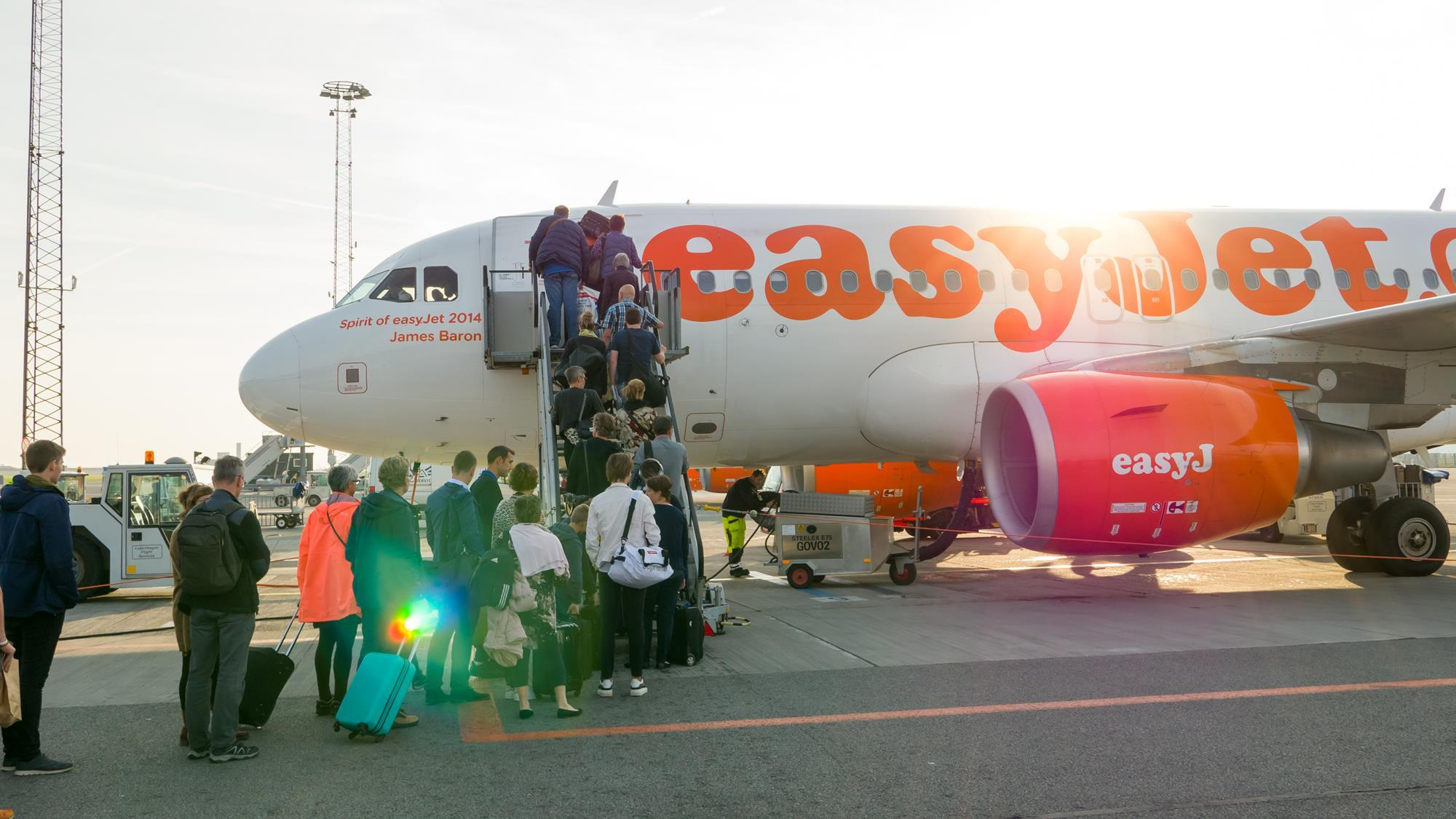 flightglobal.com - Murdo Morrison - Late-booking passengers mean network planning grief for airlines