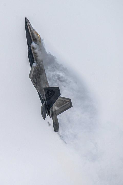 F-22-Raptor-003