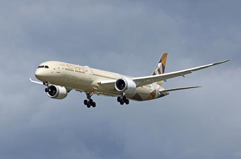 Etihad Airways Boeing 787-10 landing 2