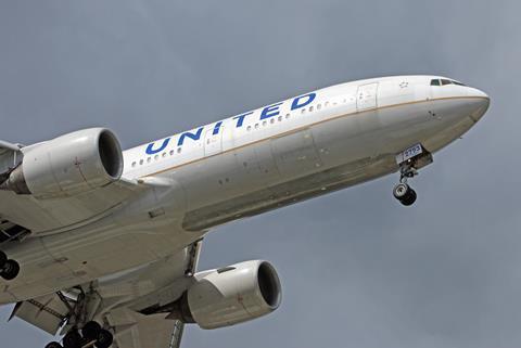 United 777-200 United. Max KJ