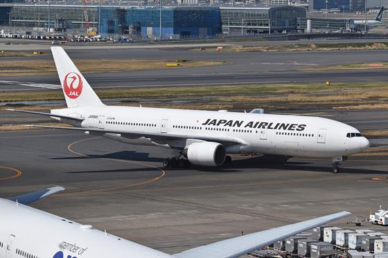 JAL 777_wikimedia commons