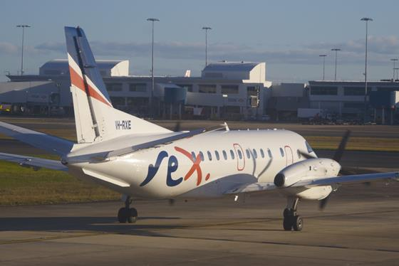 REX_Regional_Express_Saab_340B;_VH-RXE@SYD;06.07.2012_661dk_(7744563784)