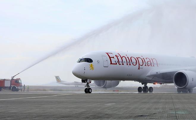 Ethiopian A350 salute-c-Ethiopian Airlines