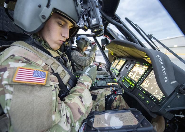 EJERCITO DE EE.UU.(US Army) - Página 8 73799_usarmytestinguh60vdigitalcockpitatfortlewisinwashingtonstate_564114