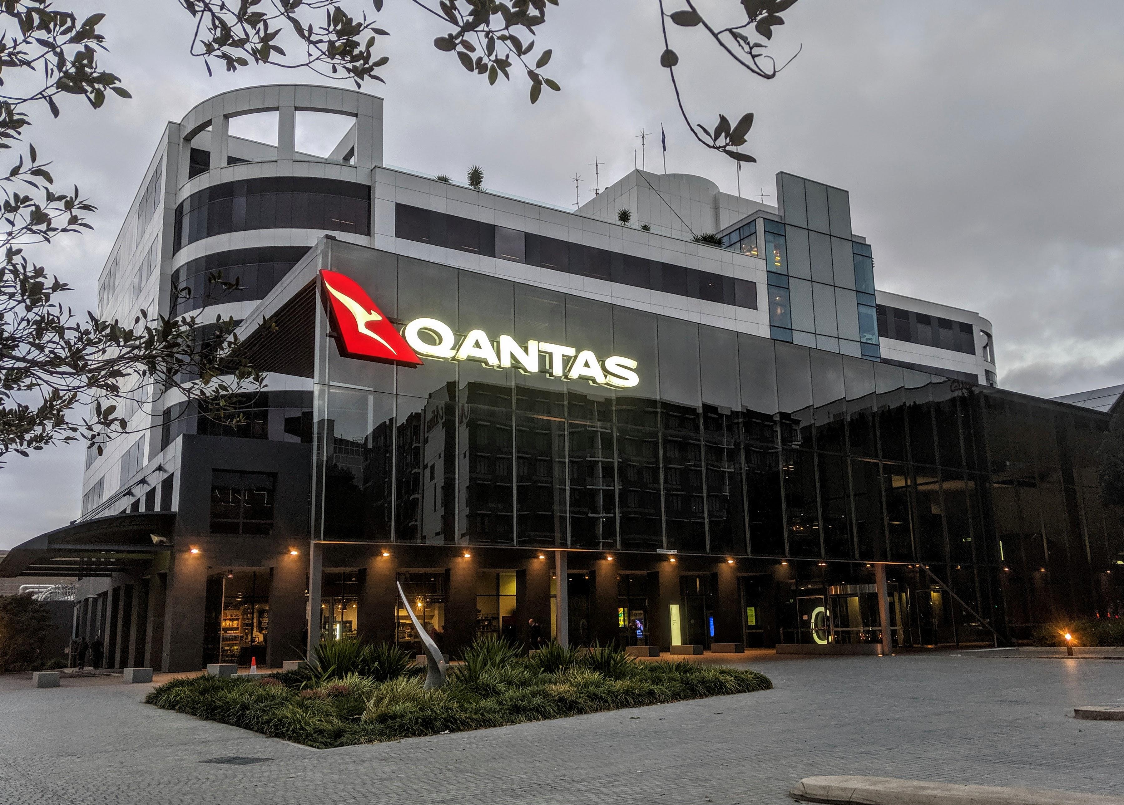 Qantas to build new flight training centre in Brisbane