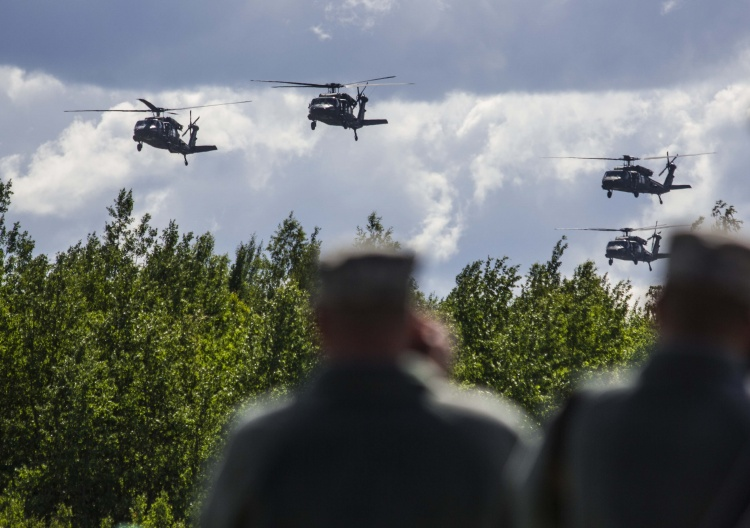 Lithuania signs for up to six UH-60M helicopters