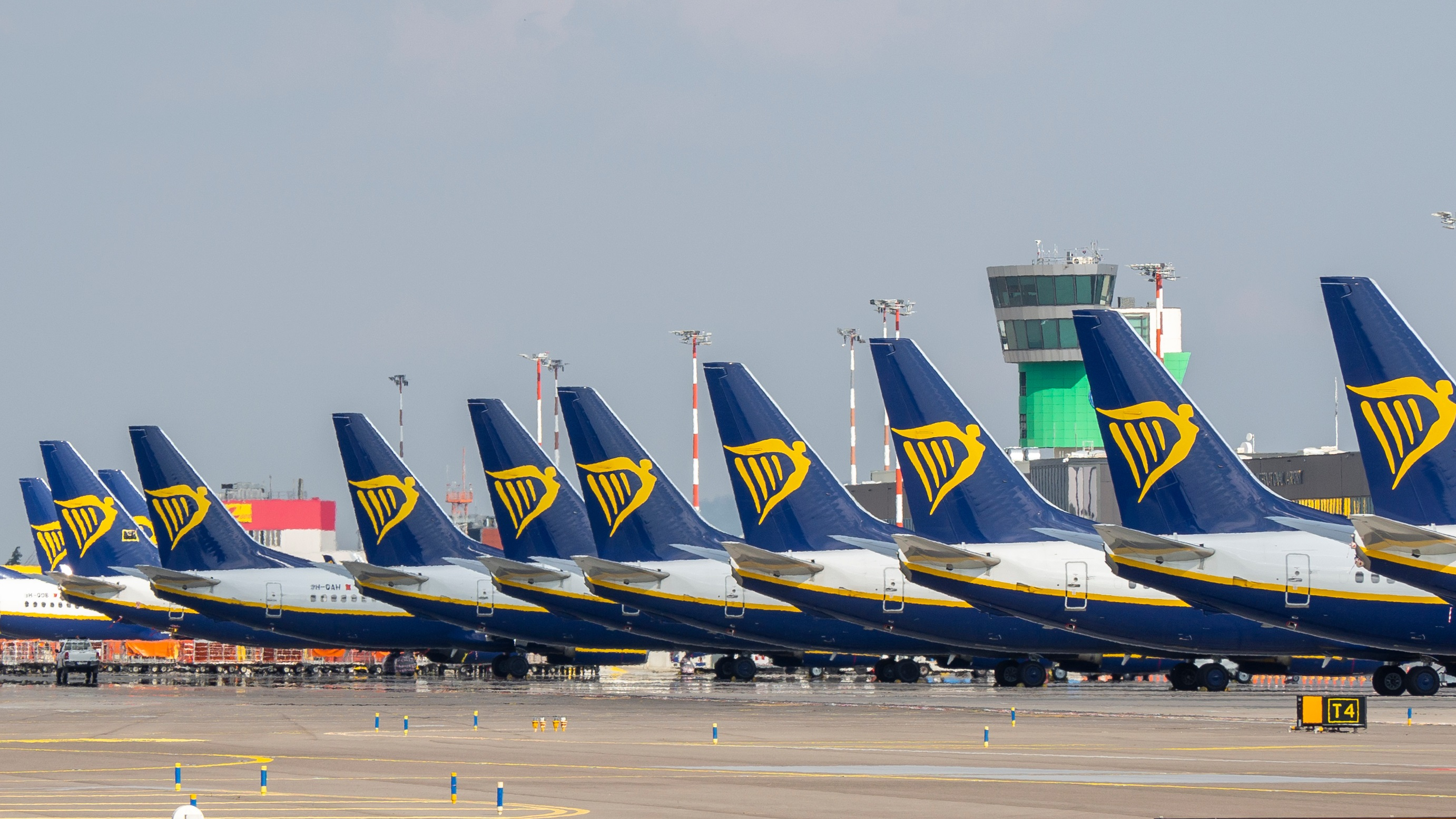 Italy again cites Ryanair over compliance with Covid measures