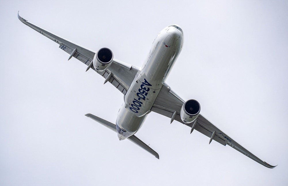 Airbus aims to match last year's commercial aircraft delivery figure